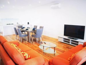 Boxhill 3Bed 3 Bath free 2 parking Box Hill South