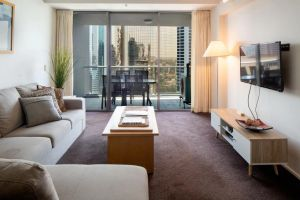 Amazing Brisbane CBD 2 Bedroom Apartment With River Views - Casino Accommodation
